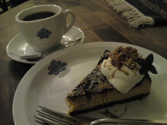 夜カフェは「ヨシュアツリー」で…(食べ歩き/江南市)