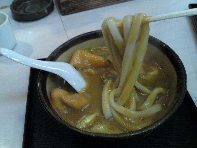 今日のお昼は「若鯱屋」さんのカレーうどん(食べ歩き/犬山市)