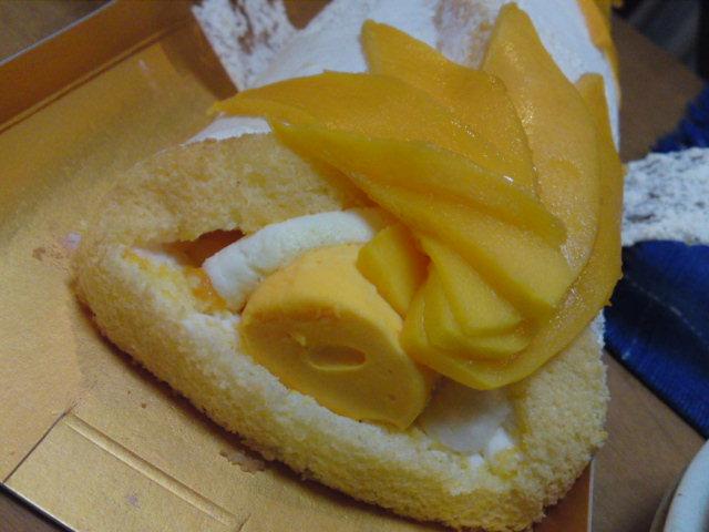 秀逸!「アンリ・シャルパンティエ」さんのマンゴーのロールケーキ(お土産/中村区)