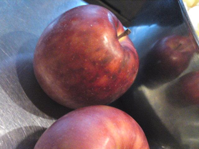 このリンゴは何になるんでしょう?(食べ歩き/扶桑町)