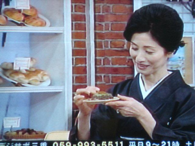 松原千恵子さんと35周年の焼きそばUFOを…。